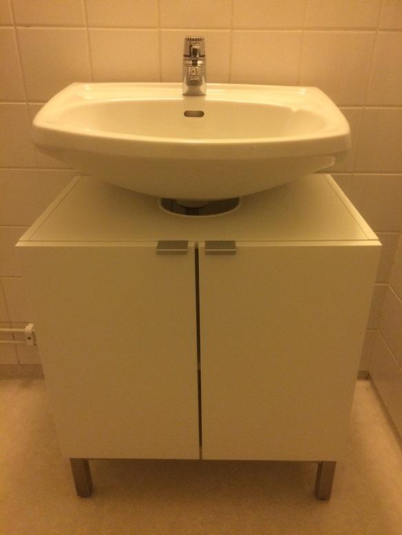 Tvättställ med underskåp
